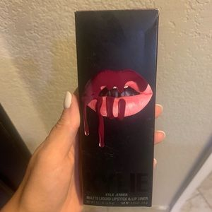NEW Kylie Jenner Lip Kit - Head over Heels